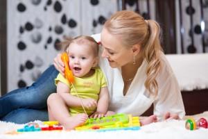 12 วิธีง่ายๆ ช่วยกระตุ้นให้ลูกพูดได้ตามวัยและเข้าใจภาษา