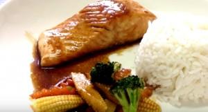 ข้าวหน้าแซลมอนเทอริยากิ อร่อยกับเนื้อปลา แถมมีโอเมก้า3 วิตามิน และแร่ธาตุ