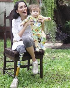 สเตล่า คุณแม่ที่มีเพียงขาเดียว แต่ทำหน้าที่แม่ด้วยหัวใจได้อย่างดีเยี่ยม