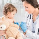 ในยุค New Normal ควรพาลูกไปฉีดวัคซีนดีไหม