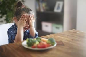 คุณหมอเผย! กลเม็ด CLICK! พลิกวิกฤติพฤติกรรมลูกตัวเล็ก กินยาก โดย แพทย์หญิง เกศินี โอวาสิทธิ์ กุมารแพทย์ ผู้เชี่ยวชาญด้านพัฒนาการและพฤติกรรม