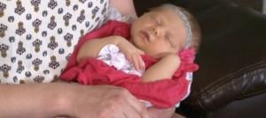 เฮลั่นบ้าน! เมื่อตระกูลที่มีแต่ลูกชายมานานกว่า 100 ปี ได้ลูกสาวคนแรก!!