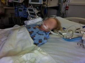 3 ข้อเตือนใจพ่อแม่เรื่องอาการแพ้ยา  จากเหตุการณ์ลูกกินยาผิดนอนไอซียู เพราะหยิบผิด