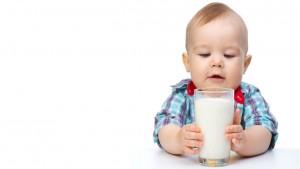 นมมีกี่ประเภท เลือกนมยังไงให้เหมาะสมกับลูก