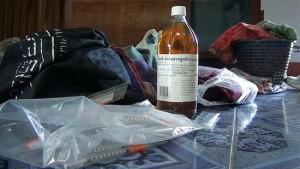 ค้นทำแท้งเถื่อน ใช้วิธีพิศดาร ฉีดน้ำส้มสายชูเข้าช่องคลอด สาวหวิดตายทั้งกลม