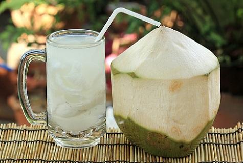 ระหว่างมีประจำเดือน ดื่มน้ำมะพร้าวจะเกิดอะไรขึ้น